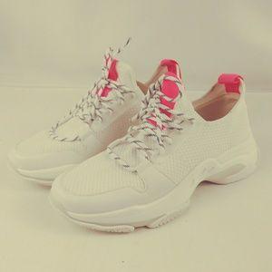 Steve Madden Women's white sneakers Myles Knit.